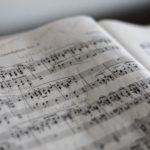 「歌詞」を検索すると、「無料」や「印刷」がでる理由は「著作権」